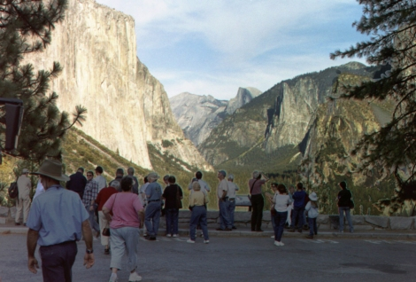 105 - Tourists and Yosemite (ps)